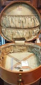 Vintage Samsonite hat box with original tags
